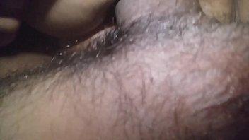 Русская мамка принимает болт во мокрощелку, подросши раком