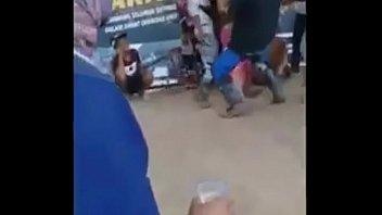 Неистовый факер отъебал 2-ух девок в анально-вагинальные вульвы