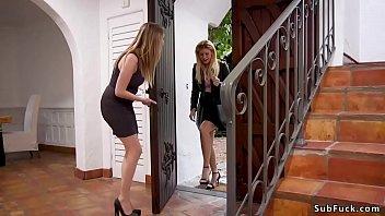 Мудрая проститутка учит молодую больному анальному пореву