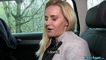 Полицейская лесбияночка ебет преступницу в участке