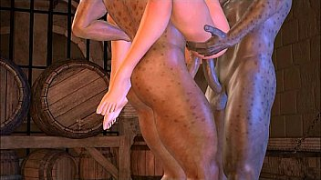 Узкоглазая молоденькая шлюха с мохнатым лобком и два друга трахаются втроем на солнечном пляже