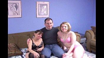 Мулатка наслаждается межрасовым сексом с массажистом
