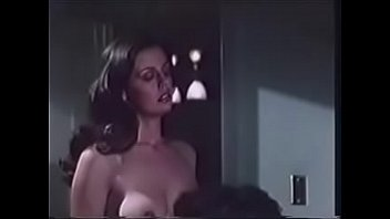 Молодая шлюха получает куни и занимается горячим вагинальным поревом